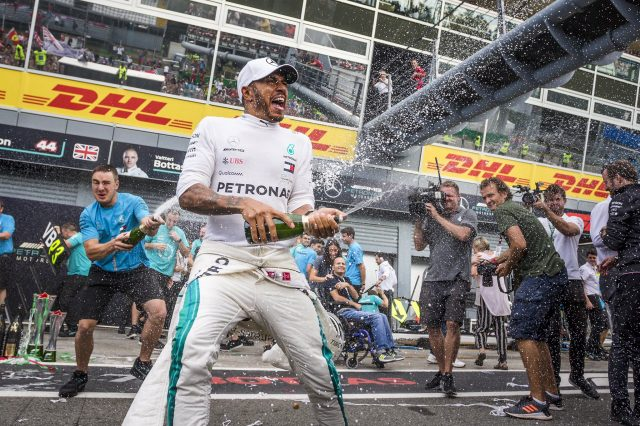 Hamilton to stay at Mercedes in 2021, 2022 – report